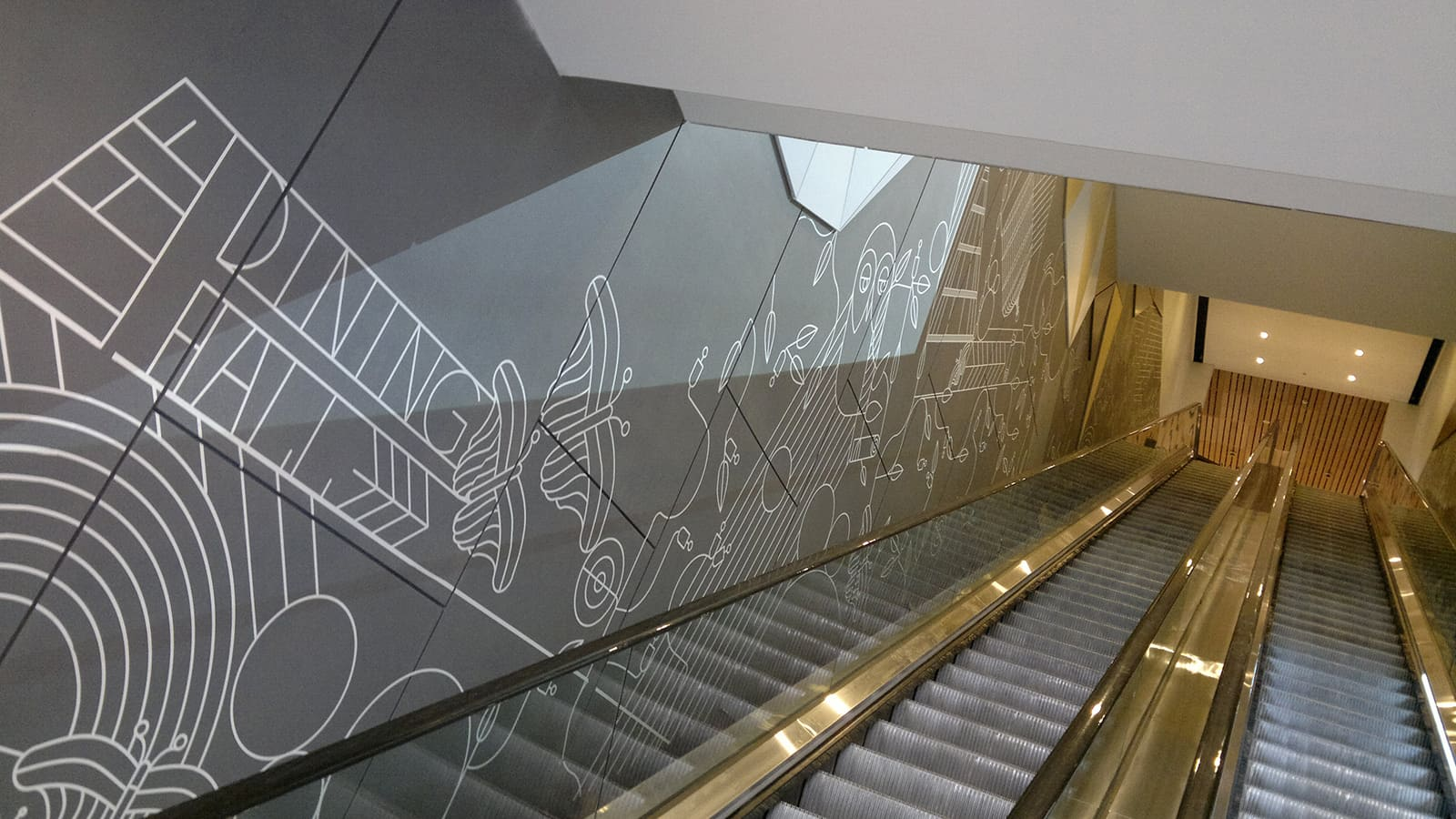 wall-graphics-escalator
